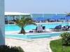 adele-beach-9