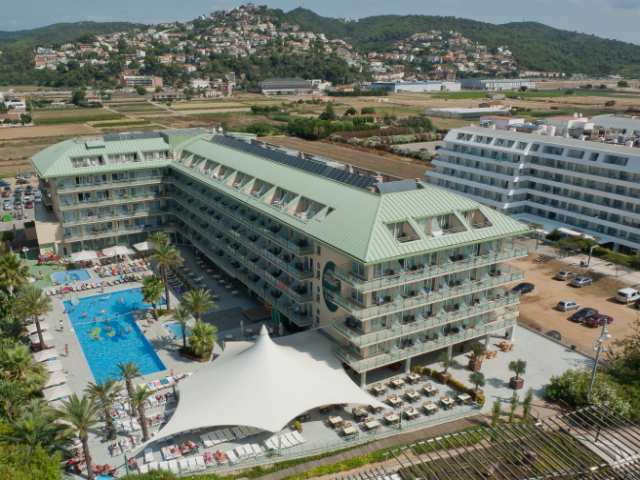 Hotel caprici verd kosta brava santa suzana amos travel - Foto van sallon ...