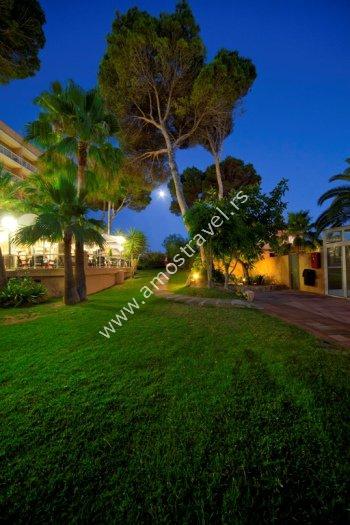 Hotel mac paradiso garden majorka playa de palma amos for Macintosh garden