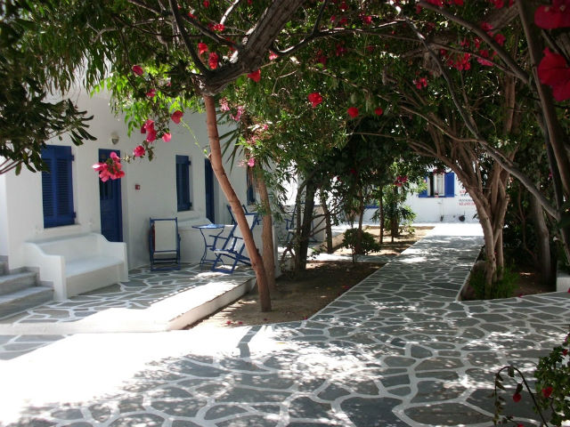 Mikonos-Platis-Jalos-Hotel-Acrogiali-10-S