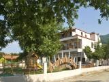 Vila Helios, Stavros