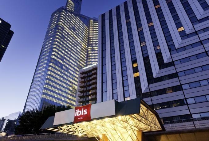 Hotel Ibis La Defense  Pariz  Avionom- Program 3