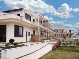 Vila Stratos, Stavros