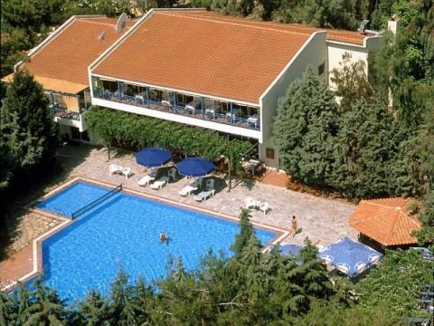 Tasos-Tripiti-hotel-Trypiti-1-s