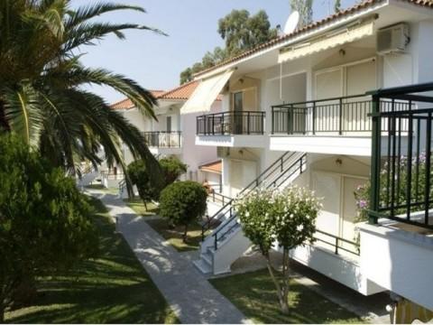Sitonija-Neos-Marmaras-Paradiso-beach-Aparthotel-Miramare-1 (2)-s