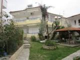 Vila Papadopoulos, Polihrono