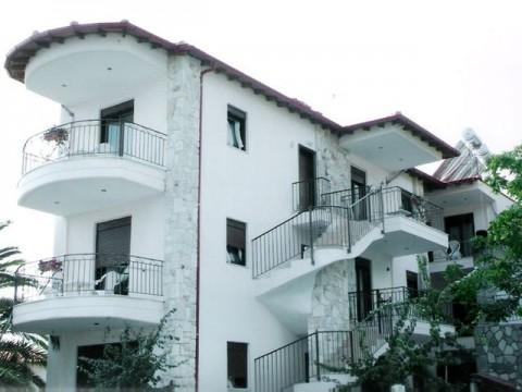 Halkidiki-Kasandra-Nea-Skioni-Vila-Skioni-Sesort (1)-s