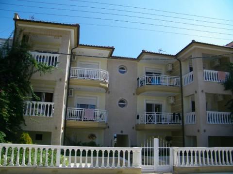 Sarti-Vila-Spanos (2)