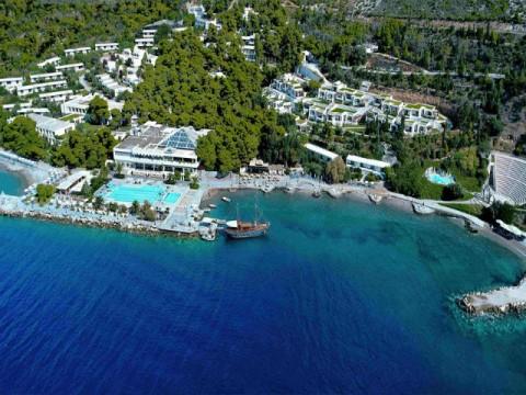 Hotel Poseidon (8) naslovna