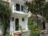 Vila Kostas, Polihrono