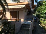 Kuća Akis, Sarti