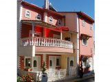Vila Dimitra, Sarti