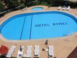 Hotel Aymes, Fetije