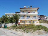 Kuća Lena, Sarti