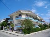 Vila Apostolos, Sarti