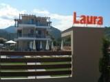 Kuća Laura, Sarti