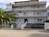 Apartmani Hristos, Stavros