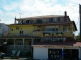Kuća Dora, Sarti