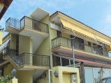 Kuća Chrissula 3, Sarti