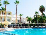 Hotel LA Hotel & Resort, Kipar-Kirenija