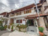 Vila Evgenia Lux, Ostrvo Amuljani