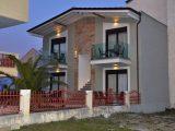 Vila Domna I, Stavros