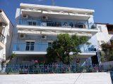 Kuća Anna, Sarti
